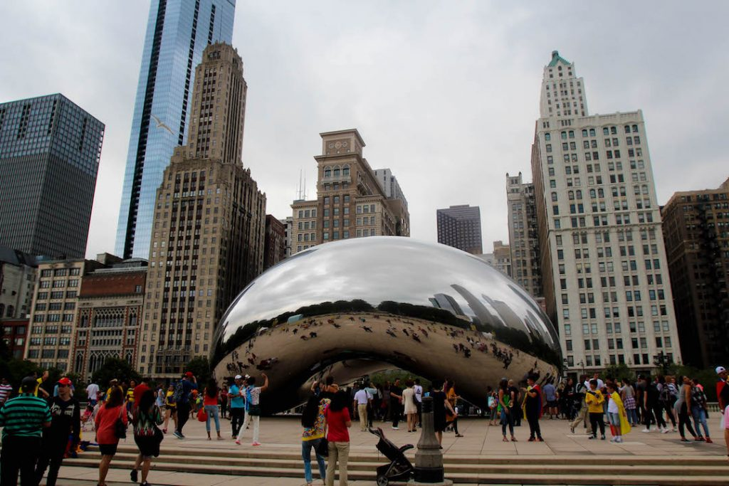 The Bean backed by the Chicago skyline