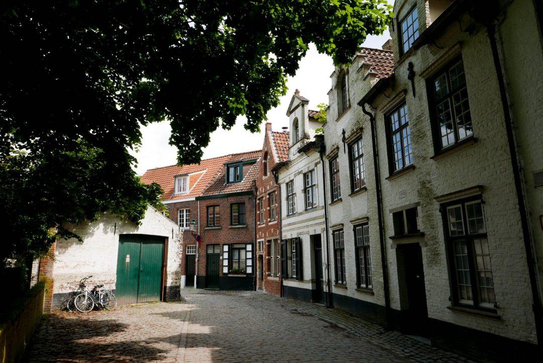 Bruges Minnewater Park Street