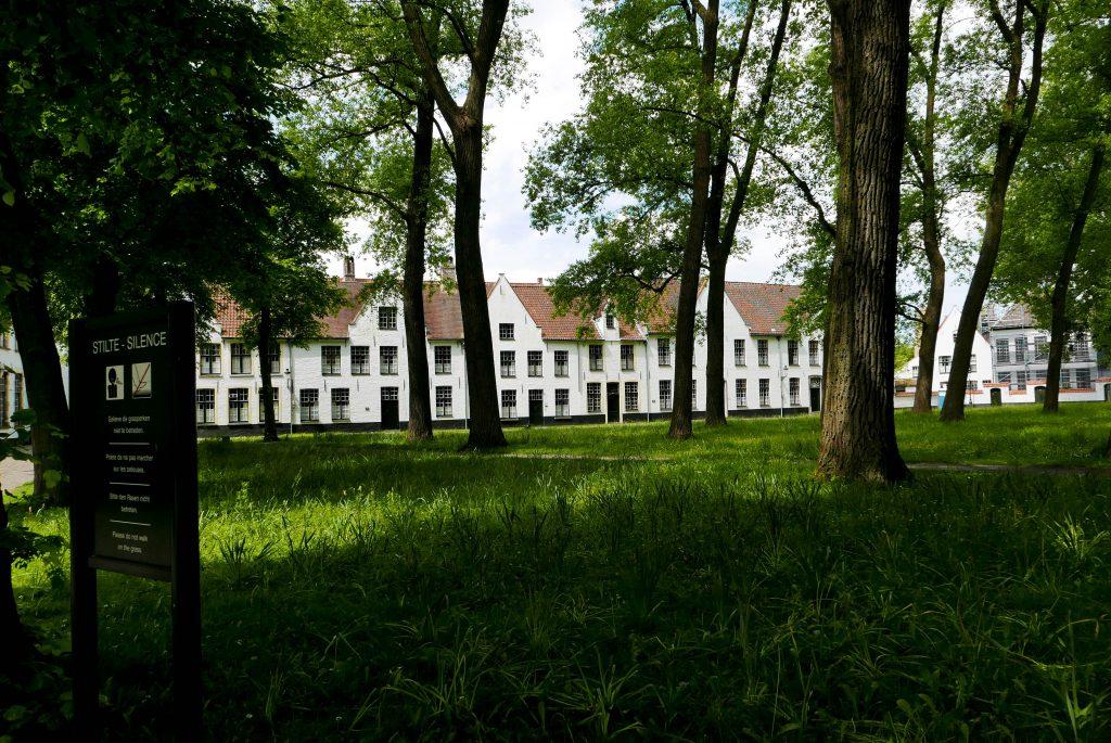 day trip to Bruges Begijnhof