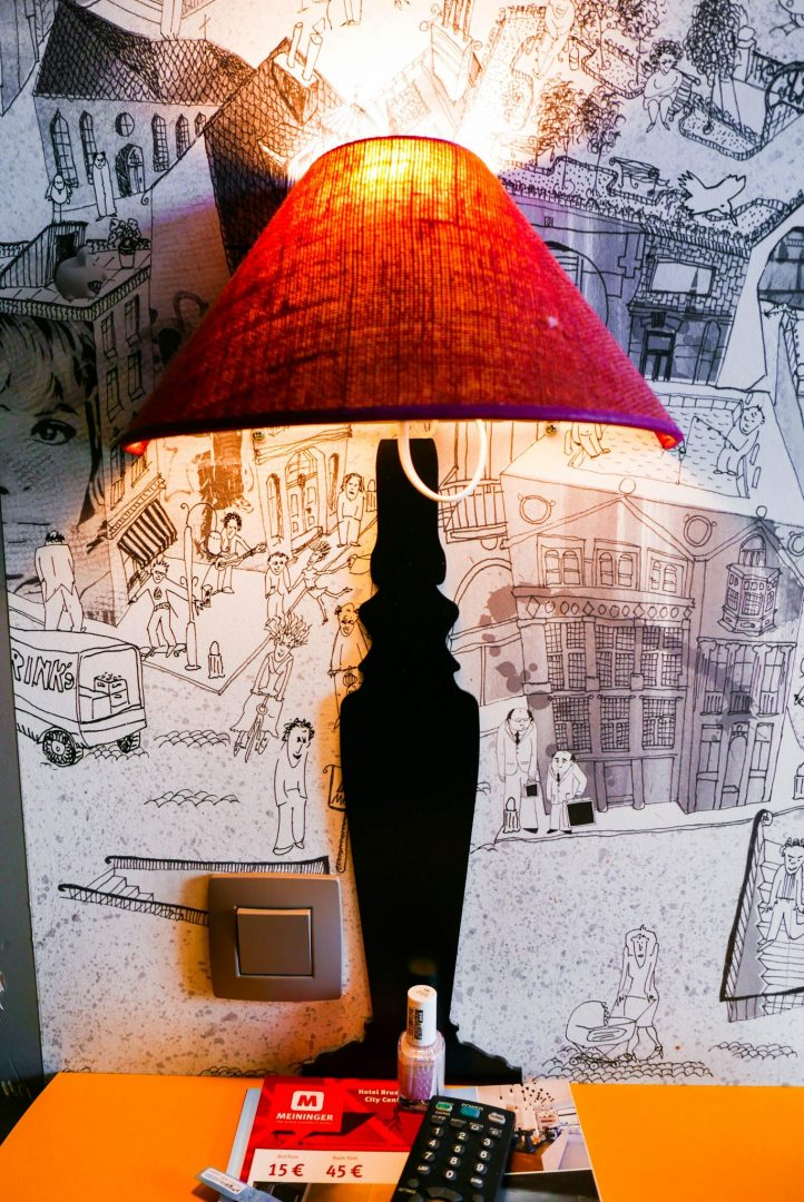 MEININGER Brussels dorm lamp