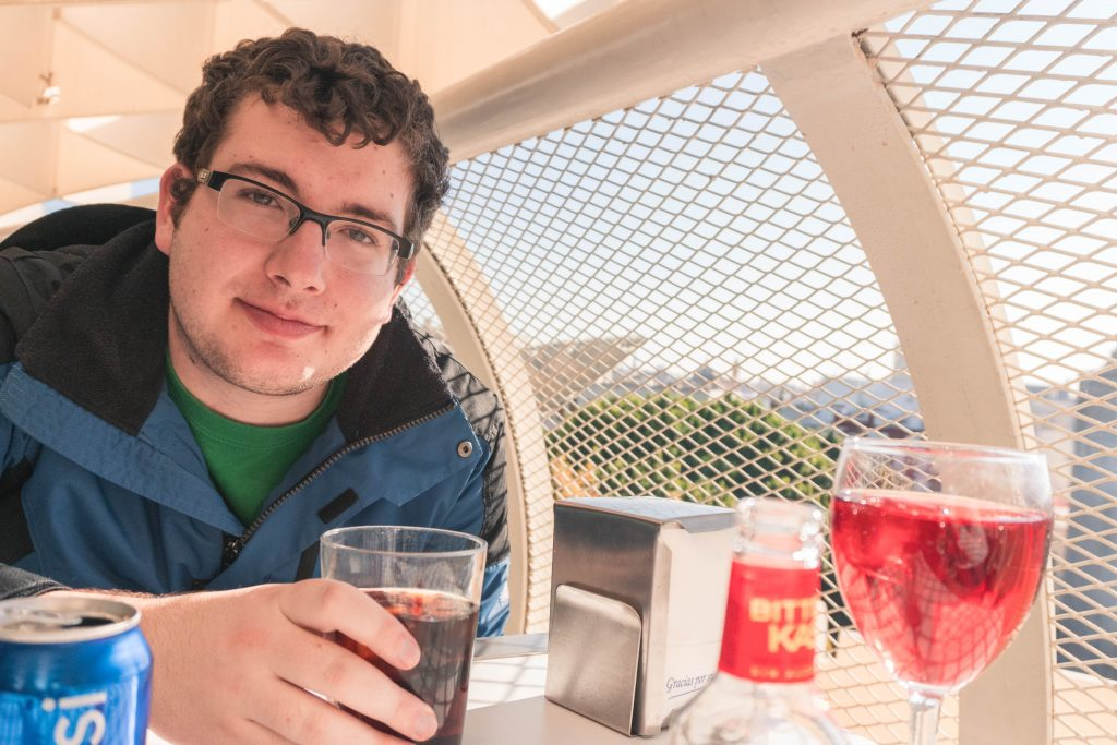 Daniel Drinks Metropol Parasol Seville