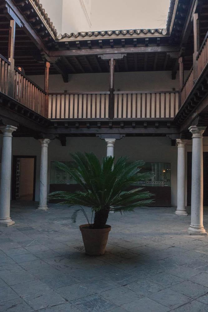 Random Courtyard Real Alcazar Deville Spain