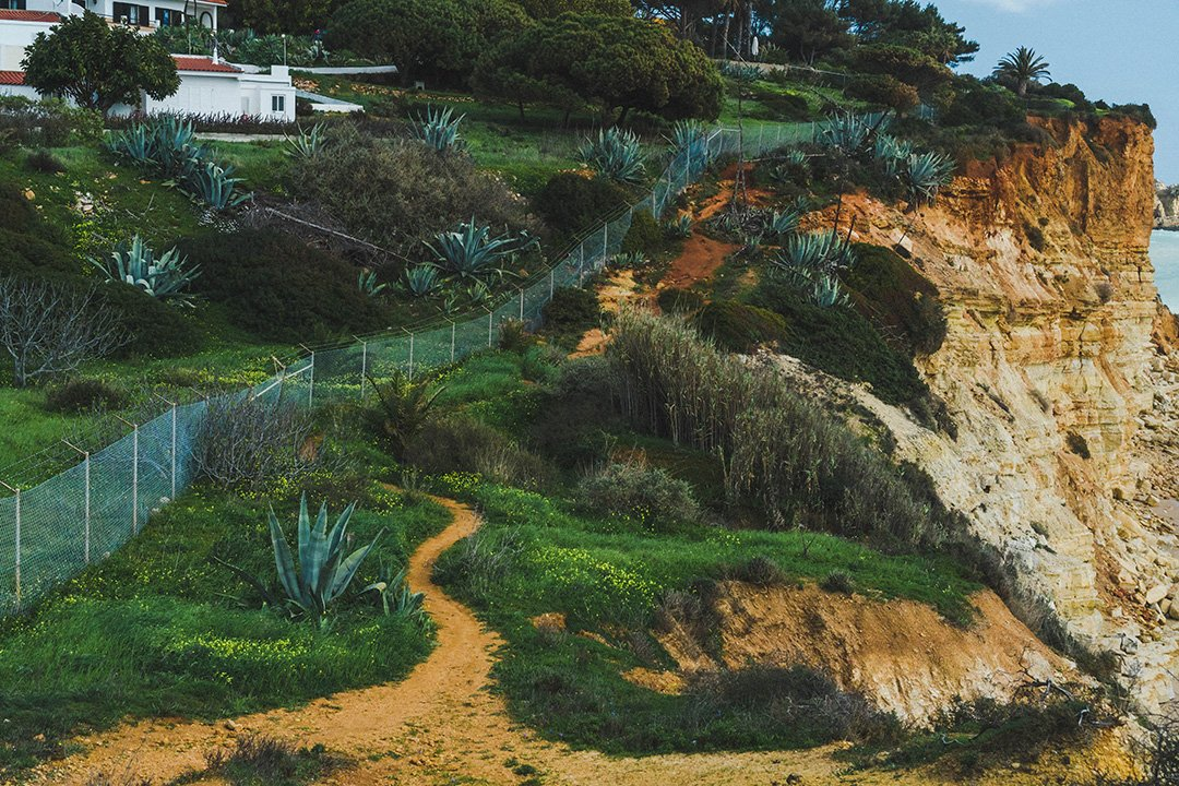 The red dirt path of the Lagos Cliff Hike