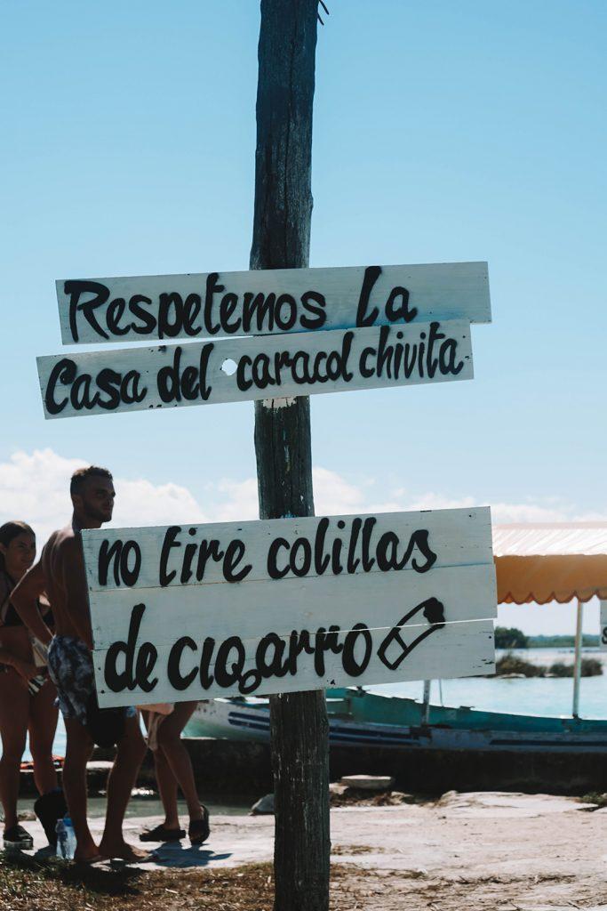 Signs at the Canal de los Piratas