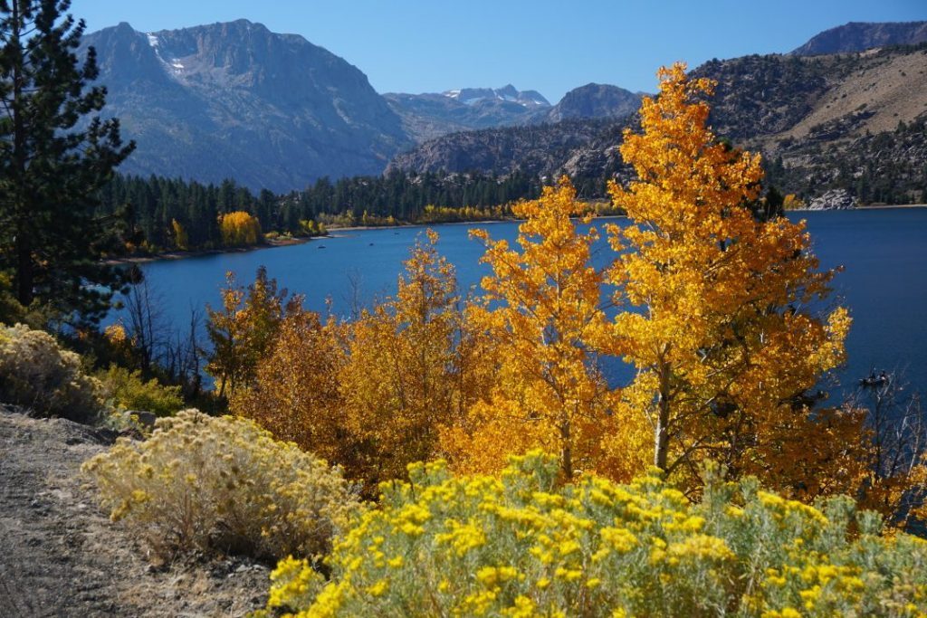 June Lake loop in California, one of the best fall vacations in the US!
