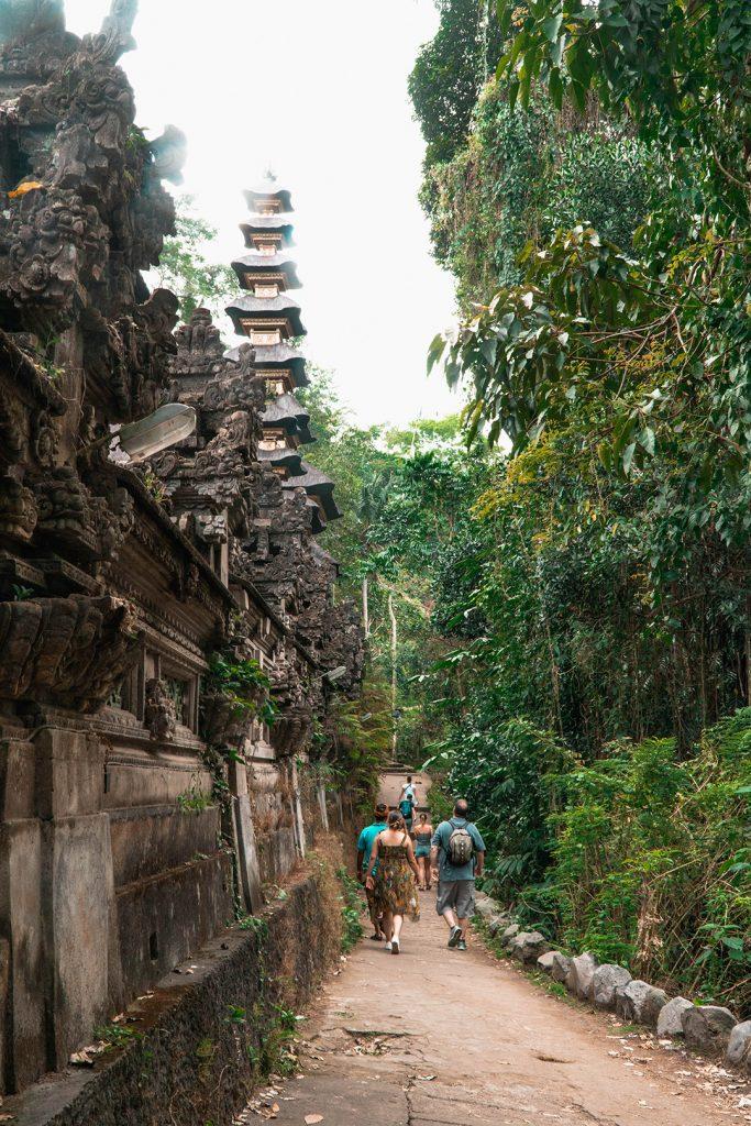 the path to the campuhan ridge walk