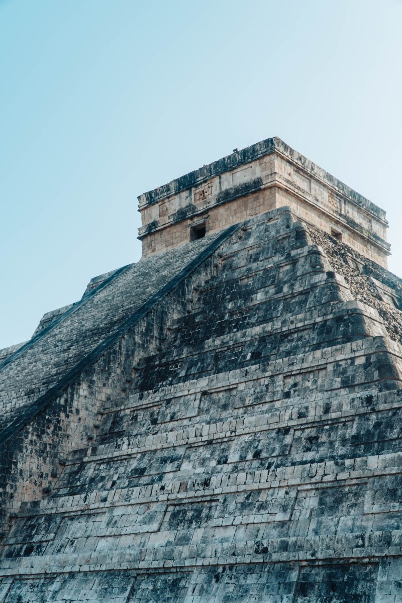 the main pyramid of chichen itza in mexico