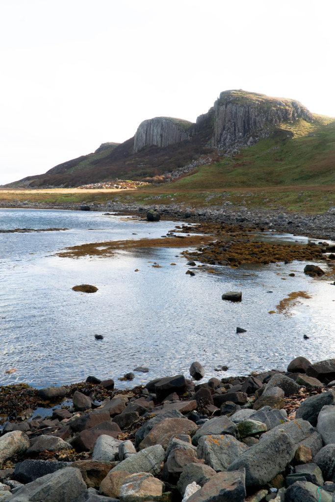 rocky cliffs at staffin bay