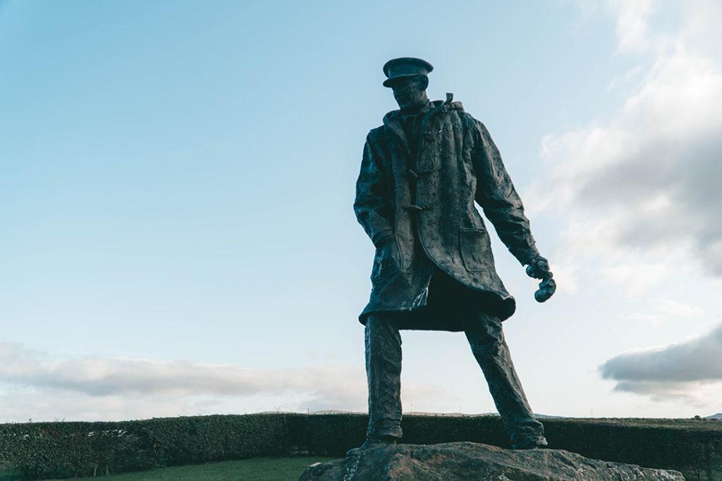 A statue of David Stirling