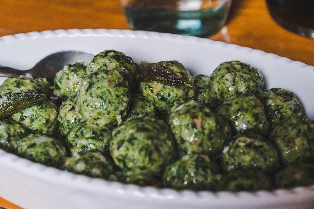 spinach bread dumplings - strangolapreti